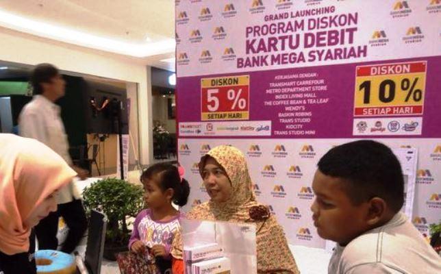 Mega Syariah Tawarkan Diskon Hingga 10 Persen di Transmart