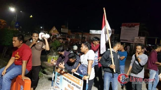 Tak Terima Rekan Juangnya Ditahan,Puluhan Mahasiswa dan Aktivis Grudak Mapolres Tanjung Balai