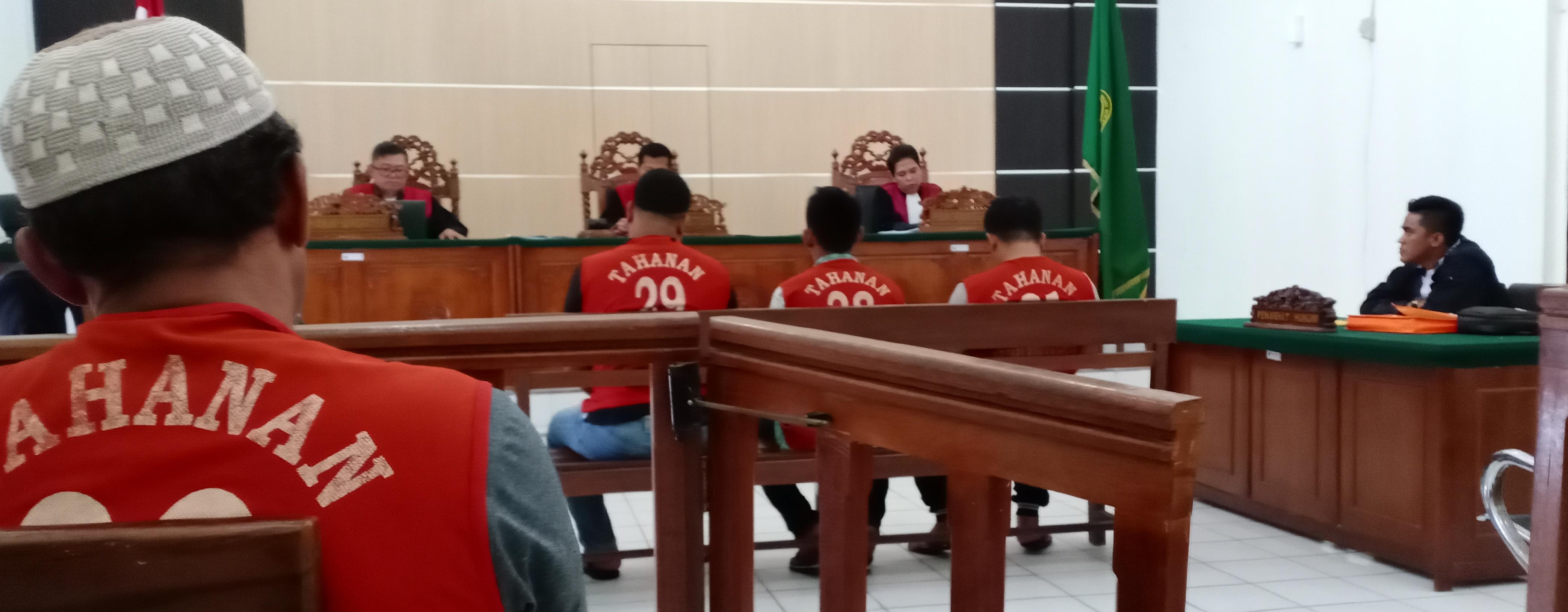 Tiga Terdakwa Narkotika di Vonis Lebih Ringan dari Tuntutan JPU