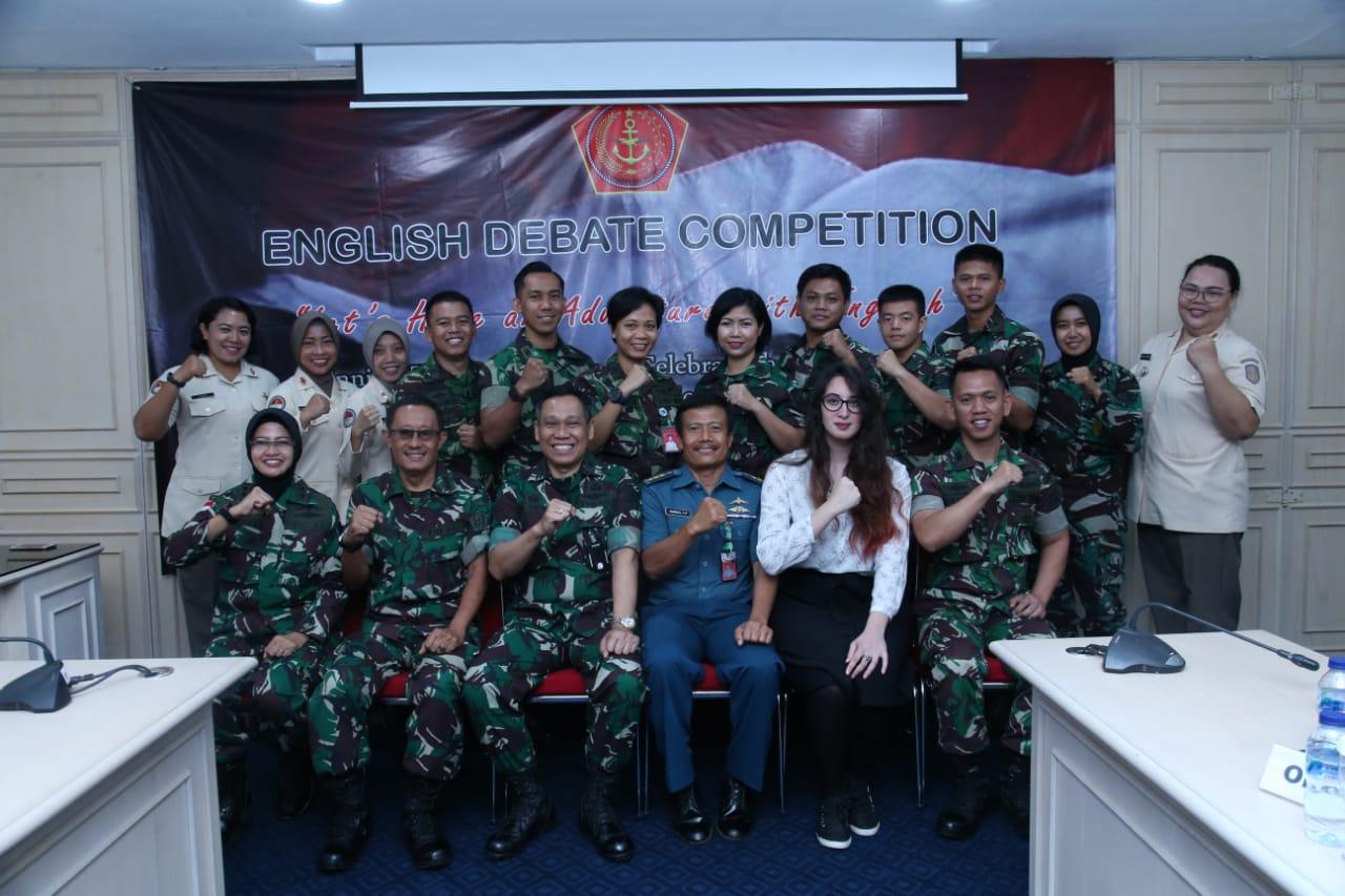 Kapuskes TNI : Lomba Debat Bahasa Inggris Kembangkan Bakat Kreativitas Personel Kesehatan TNI