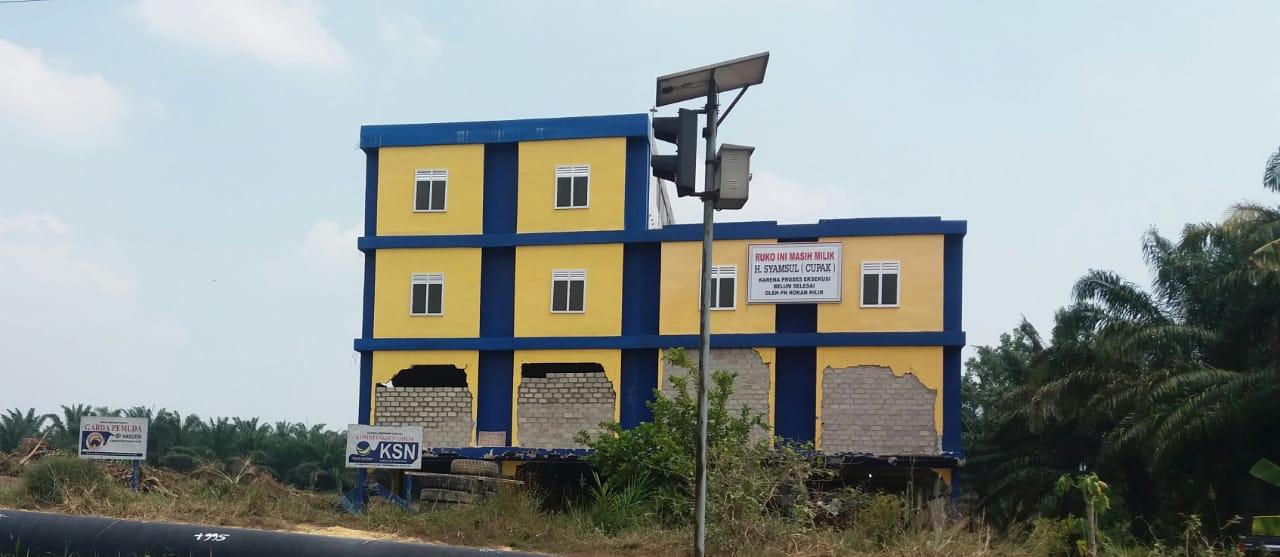 Woww.. H. Syamsul Kembali Perbaiki Gedung Kantor Nasdem Yang DI Eksekusi PN Rohil