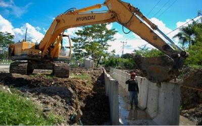 Drainase Paket A dari simpang Jalan Riau Makan Korban