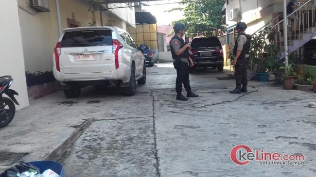 KPK Periksa dan Grebek Kediaman Sekaligus Kantor DH di Tanjung Datuk