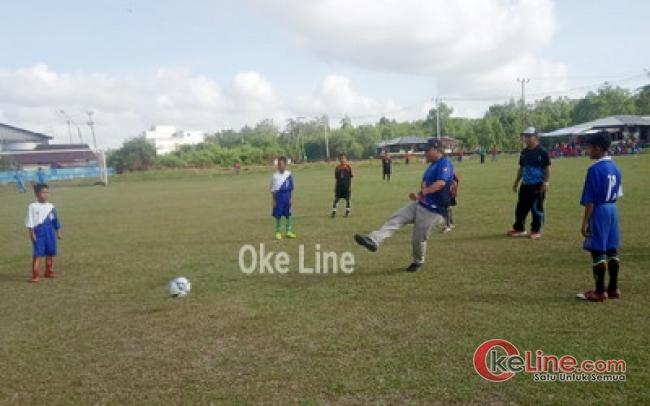 UPTD Disdik Tebingtinggi dan Ketua PSI Buka Turnamen Bola Piala Korwil