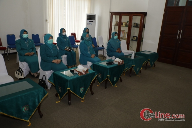 TP.PKK Kabupaten Asahan Nonton Vidio Conference