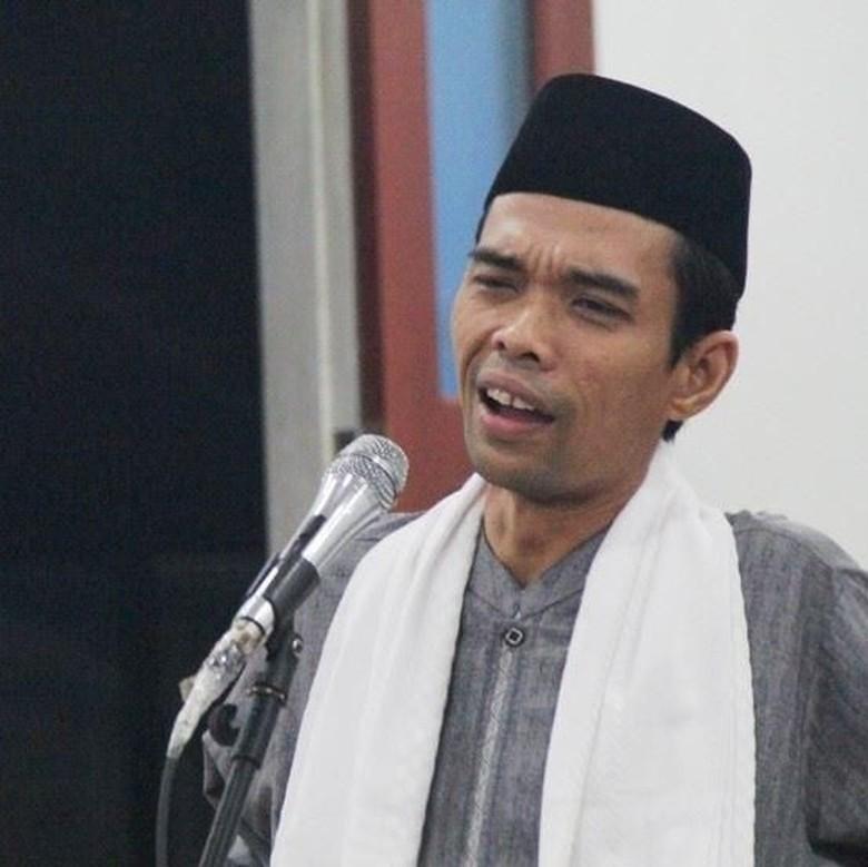 UAS Hadiri Tabliq Akbar Bangka Tengah. Ribuan Umat Muslim Bangka Belitung Banjiri Acara