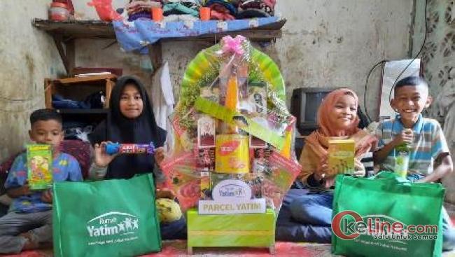 Empat Yatim Bersaudara di Pekanbaru Dapat Parcel Lebaran