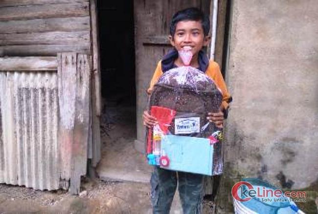 Bocah SD di Rumbai Kembali Terima Bantuan