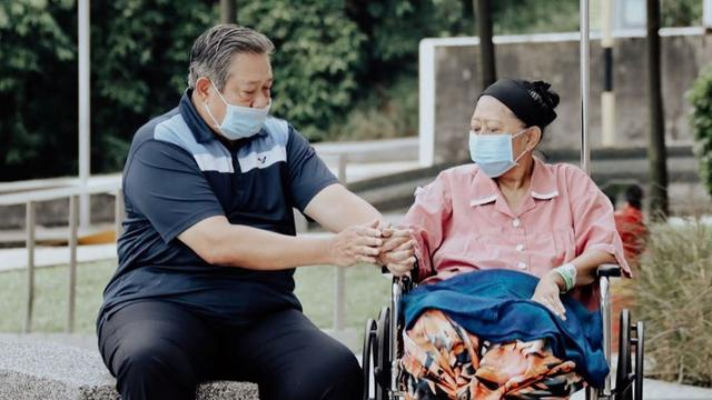 Lewat Seruling Mellow, SBY Kenang Ani Yudhoyono