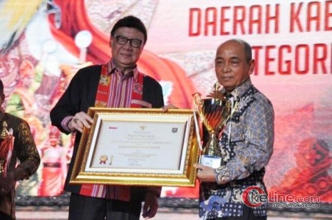 Penghargaan Pelalawan di Hari Jadinya