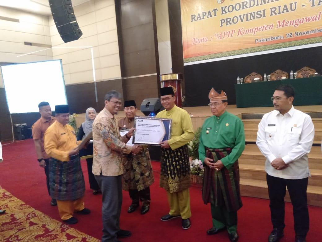 Pemkab Rohil Terima Penghargaan Prestasi Kapabilitas APIP Level 3  Se Riau