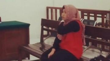 Ikut Rencanakan Bunuh Suami. Istri Muda Ini Di Tuntut 18 Tahun Penjara