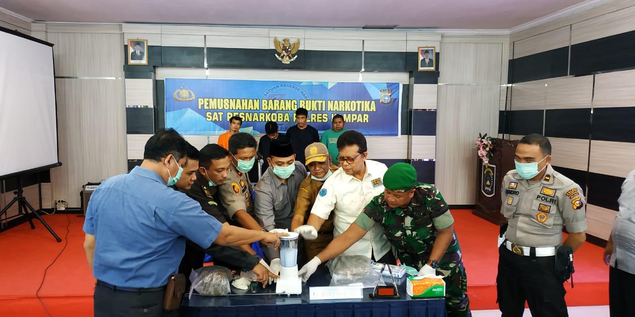 Polres Kampar Musnahkan Barang Bukti Shabu dan Daun Ganja Kering dari Hasil 4 Ungkap Kasus
