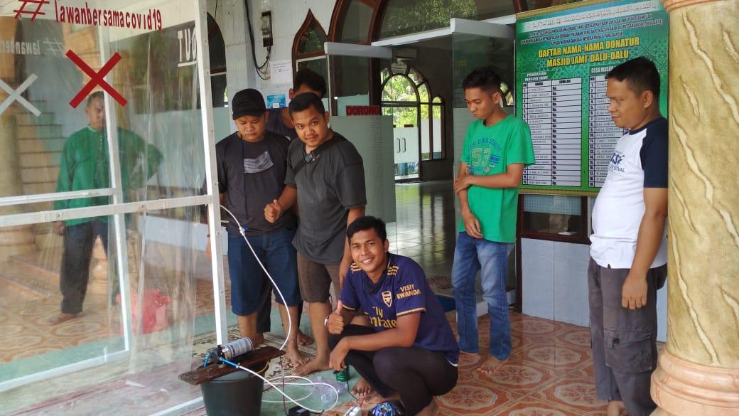 Peduli Kemanusiaan Covid-19, Anggota DPRD Riau Syamsurizal Serahkan Bantuan Dua Box Sterilsasi