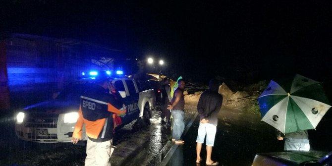 Diguyur Hujan, Jalan Sumbar-Riau di Limapuluh Kota longsor