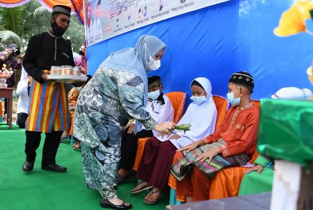 Festival Mandi Safar Rupat Utara Dibuka  Secara Resmi Oleh Bupati Bengkalis Kasmarni