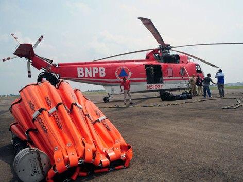 BNPB Kirim Lima Helikopter Water Bombing