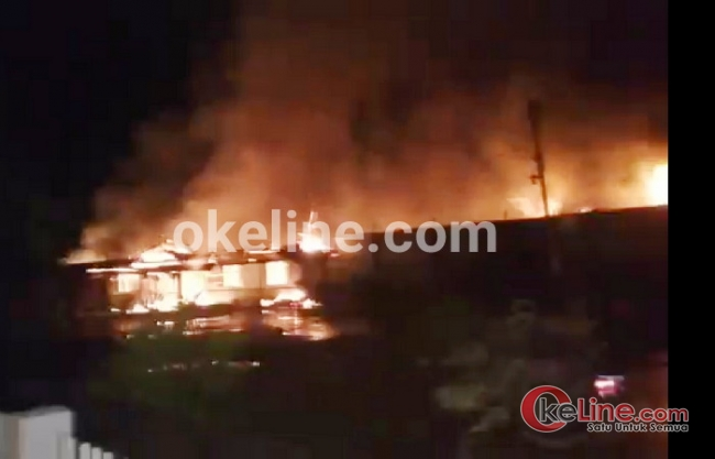 Headline - Rutan Siak Terbakar Satu Jadi Korban Tembak