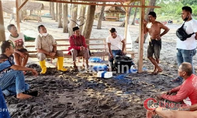 Happy Neldy Kunjungi Nelayan Kehilangan Perahu Karena Badai