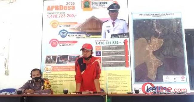 Kades Abdul Sumardi Bagikan BLT Desa Lemau Priode 6, Warga Terima Kasih