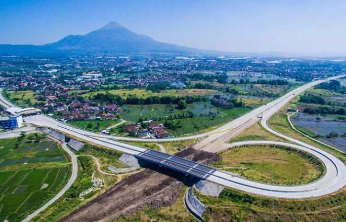 Jokowi Resmikan Pengoperasian Jalan Tol Pandaan-Malang