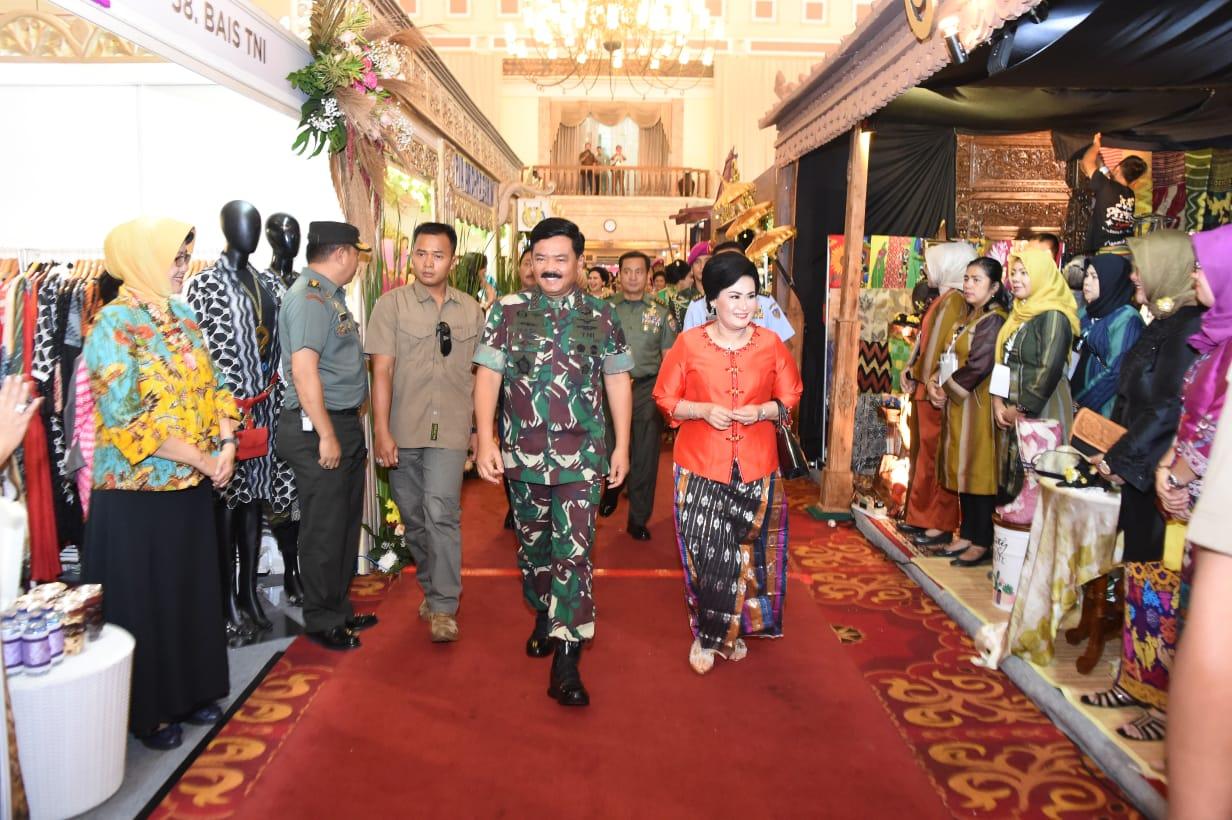 Panglima TNI Buka Gebyar Karya Pertiwi dan Atase Militer Pasangan Budaya 2019