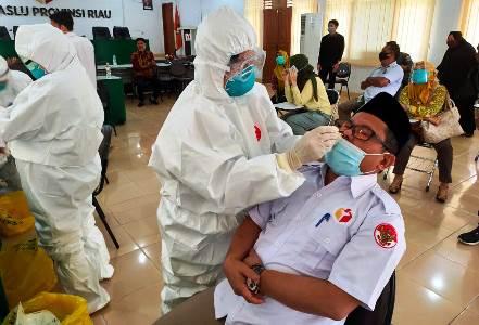 Bawaslu Riau Lakukan Swab Test, Hasil?