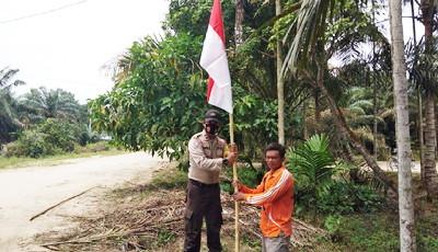 Polres Dumai Melalui Polsek Jajaran Ajak Masyarakat Kibarkan Bendera Merah Putih