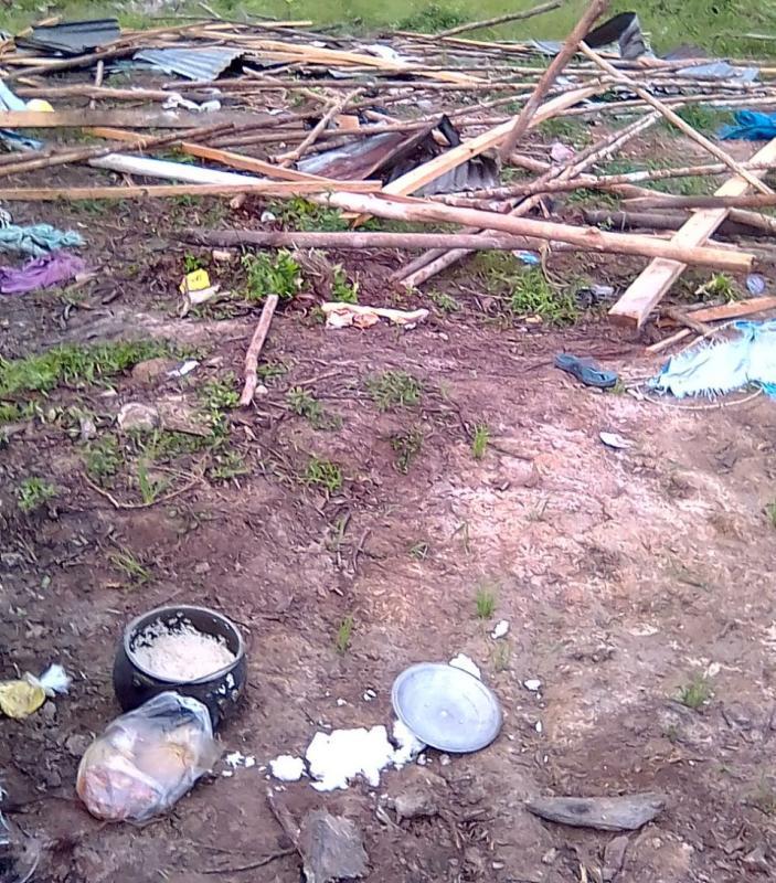 Rumah Dirusak, Warga Nilo Menyelamatkan Diri Masuk Hutan