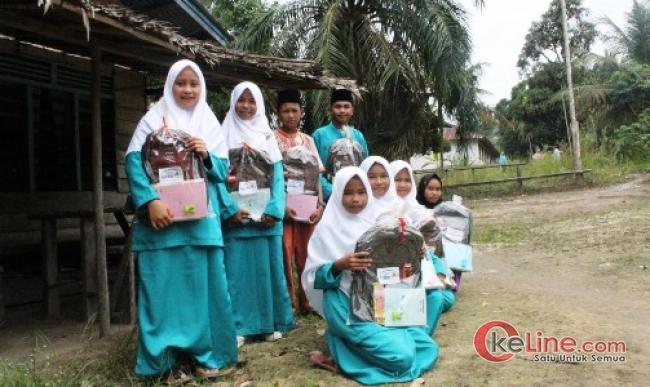 Bantuan untuk Pelajar Disalurkan Rumah Yatim Riau Kepelosok Bengkalis