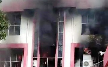 Dampak Plaza Telkomsel Pekanbaru Terbakar, Dirasakan Warga Dumai