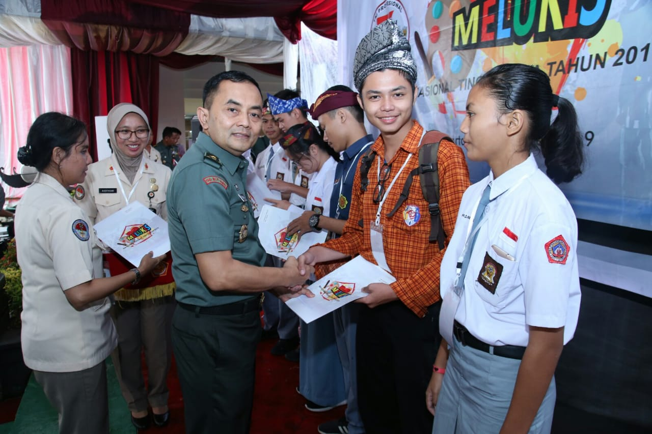 Pusjarah TNI Tingkat Lomba Lukis SMA Tingkat Nasional