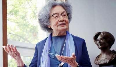 Film Dokumenter Tentang Prof. Ye Jiaying dan Kehidupan Puisinya