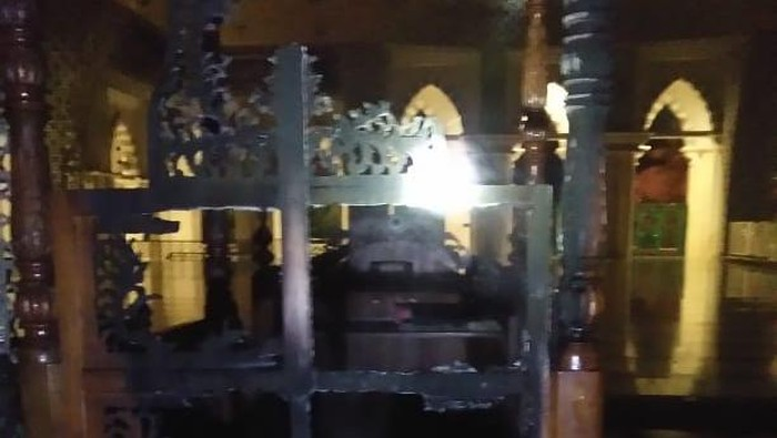 OTK Bakar Mimbar Masjid Raya Makassar, Polisi Buru Pelaku
