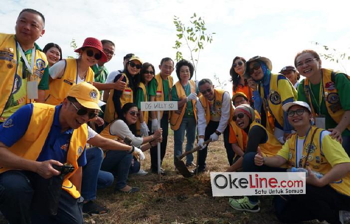 Baksos Tanam 300 Pohon Perkumpulan Lions Indonesia di Perkantoran Walikota