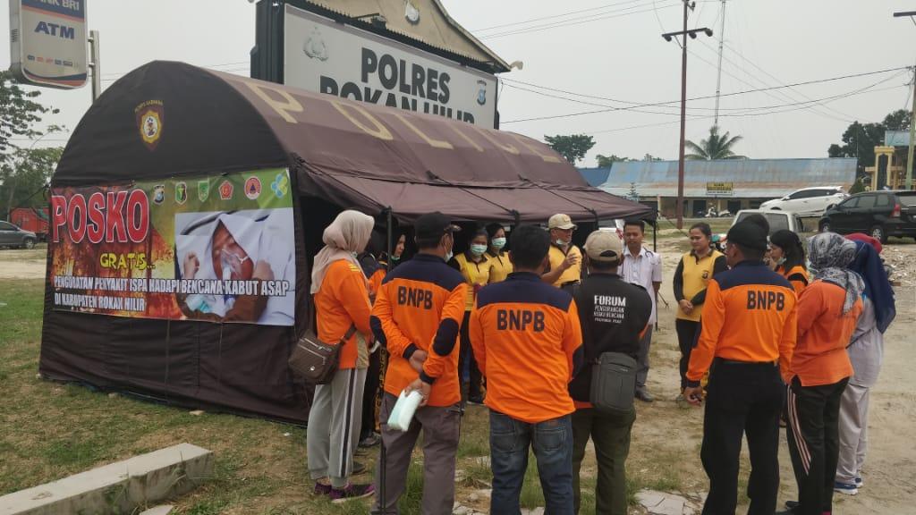 Cegah ISPA, Polres Rohil Dan Dinkes Dirikan Pos Pelayanan Kesehatan Gratis