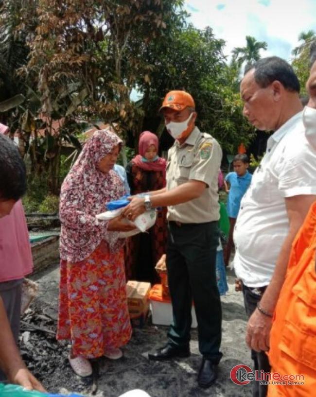 BPBD Asahan Serahkan Bantuan Kepada Korban Kebakaran