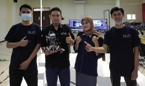 Robot SAR Ciptaan 4 Mhs UMP, Bisa Evakuasi dan Padamkan Api