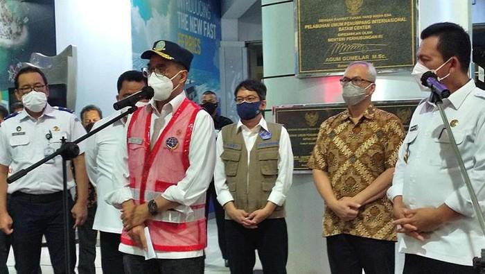 Pengawal Menhub Cekik Wartawan di Batam , Kemenhub Minta Maaf