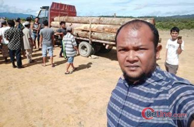 Ratusan Warga Somba Debata Tapsel Hentikan Truk Pengangkut Kayu Tanpa Dokumen