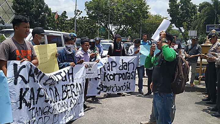 "Walhi Tuding Polda Riau Tak Berani ""Sentuh"" PT SRL"