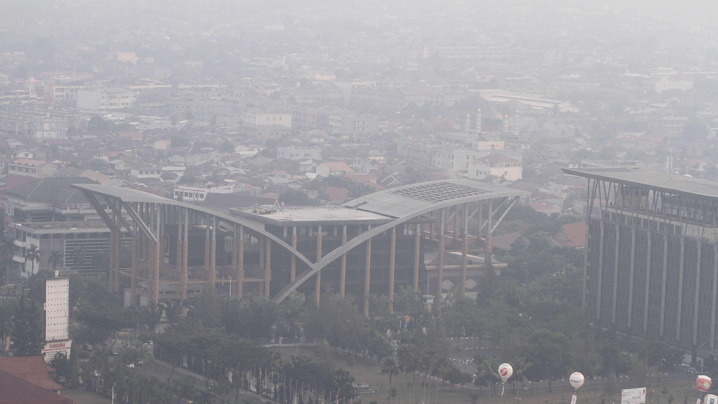 LAGI !!! Kabut Asap Ringan Selimuti Pekanbaru