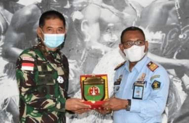 Kepala Kantor Wilayah Kemenkumham Papua Disambut Hangat di Makorem 174/ATW Merauke