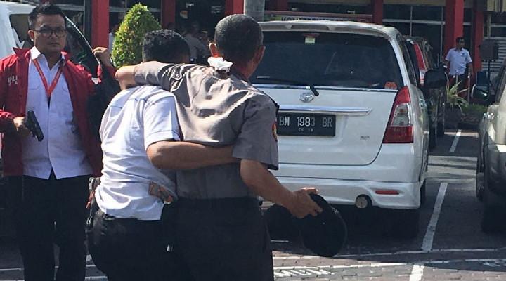 Berita Teroris Hari Ini - Satu Pelaku Teror Mapolda Riau Melarikan Diri Ditangkap