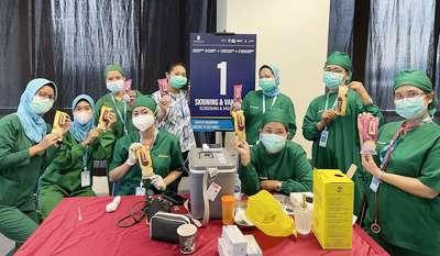 """Grup Yili dan GAFI Distribusikan 5000 Produk Es krim """"Joyday"""" di Pusat Vaksinasi"""