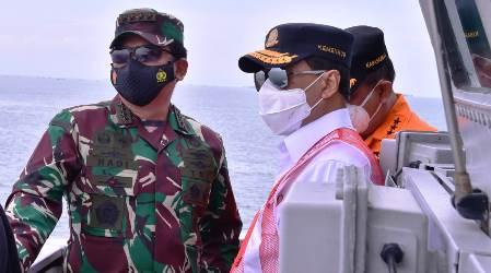 Panglima TNI Tinjau Lokasi Ditemukannya Serpihan Pesawat, TNI Kerahkan Kekuatan Penuh