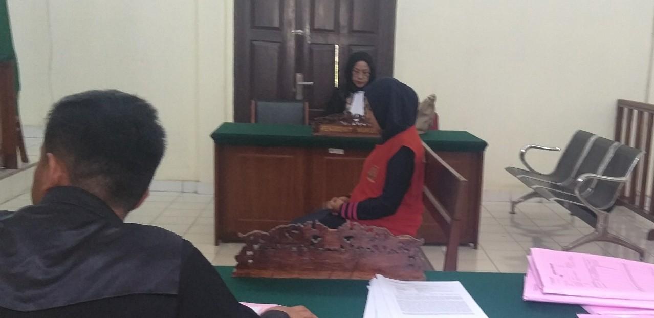 Terdakwa Narkotika Eva Ratna Sari Menangis, Saat PH Bacakan Pembelaan
