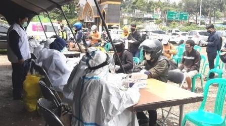 50 Orang Wisatawan di Puncak Bogor Di Rapid Test Massal Reaktif