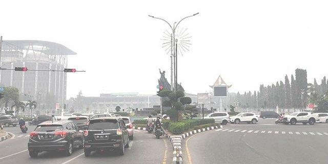 Udara Kota Pekanbaru Tidak Sehat. Asap Pekat Masih Menyelimuti