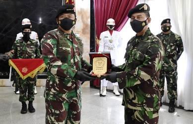Marsdya Tamsil Gustari Malik Serahkan Jabatan Danjen Akademi TNI Kepada Panglima